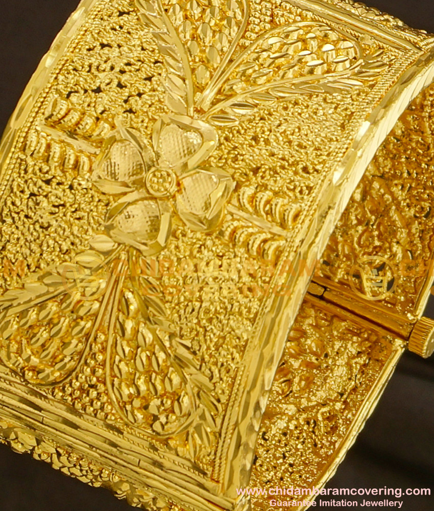 BNG089 - 2.6 Size High Quality Designer Broad Kada Screw Opening Bangle Online