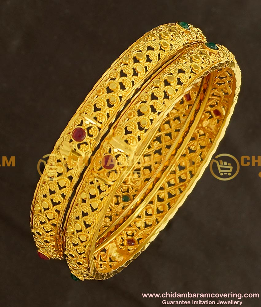 BNG140 - 2.8 Size Elegant Finish Light Weight Die Gold Stone Bangles Online